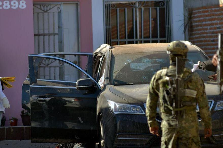 Este es uno de los vehículos involucrados en el incidente armado. (Foto Prensa Libre: AFP)