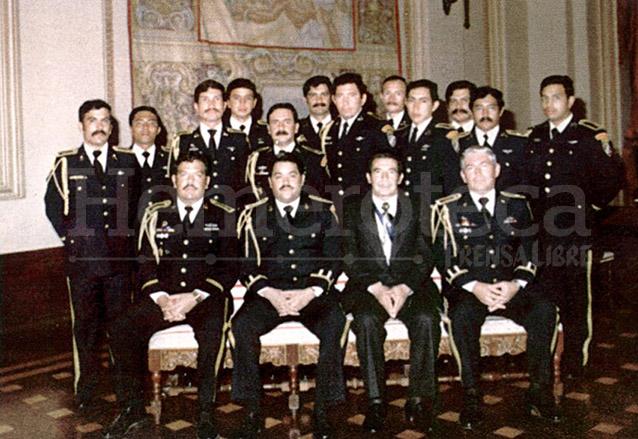 El jefe de Estado de facto Efraín Ríos Montt aparece con la plana mayor del Ejército en 1982. (Foto: Hemeroteca PL)