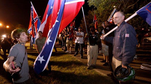 Los partidarios de mantener los monumentos confederados creen que el alcalde de Nueva Orleans está destruyendo la historia de la ciudad. REUTERS