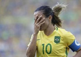 Suecia eliminó en penaltis a Brasil en la semifinal femenina.