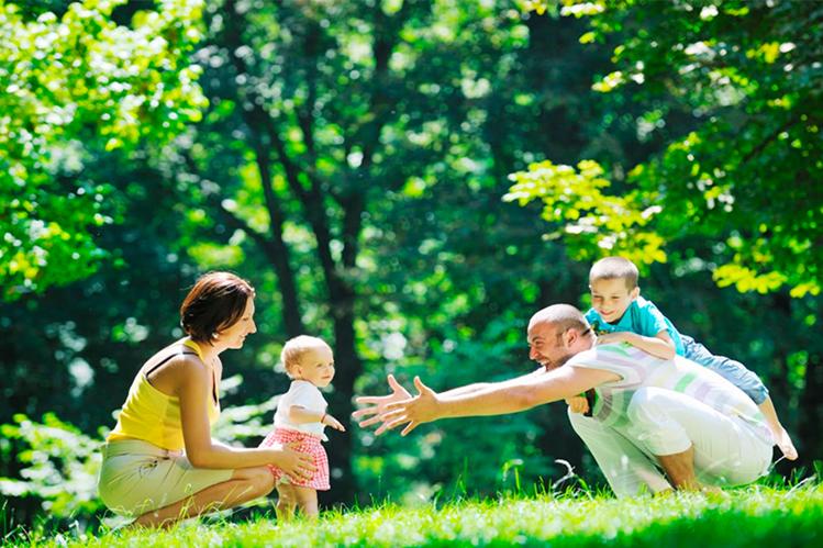 Vivir cerca de áreas verdes reduce la tasa de mortalidad, según estudio.