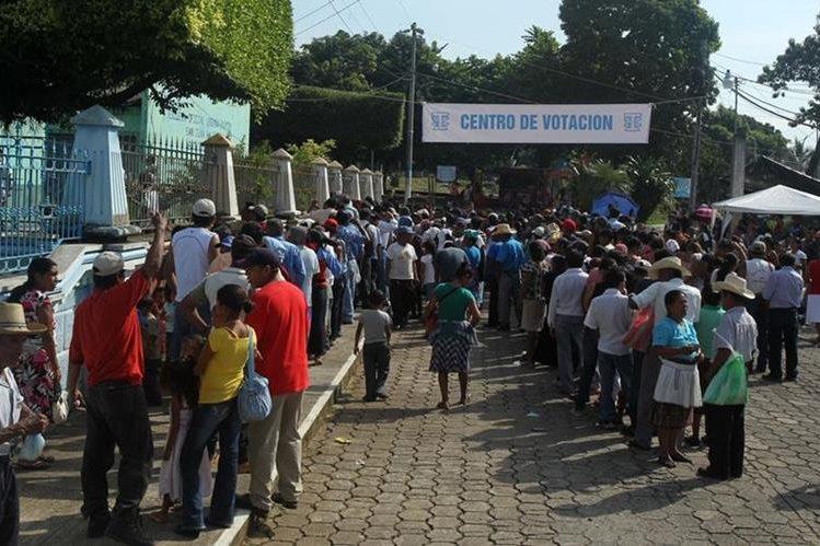 Los guatemaltecos acudieron masivamente a las urnas en 2011. (Foto: Hemeroteca PL)