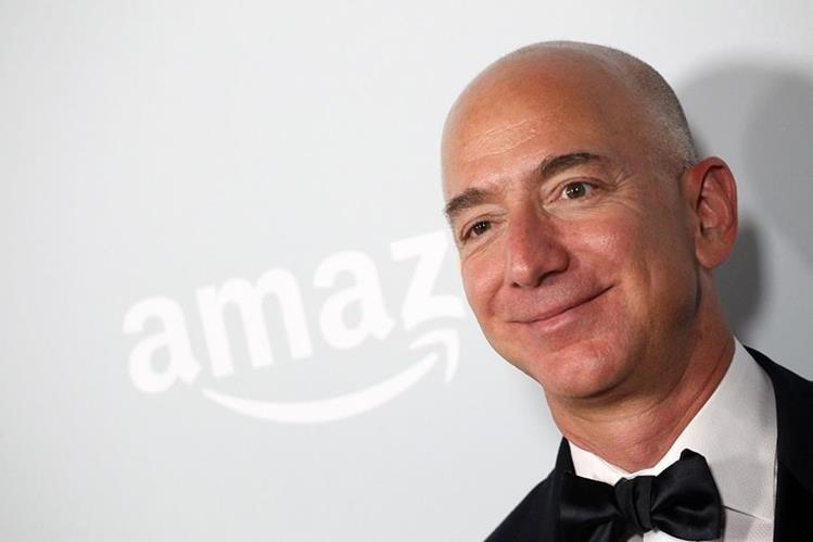 Bezos tiene un patrimonio que supera los US$90 mil millones, según Forbes. (Foto Prensa Libre: AFP)
