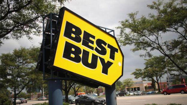 La multinacional Best Buy tiene un programa para intercambiar viejos aparatos electrónicos por vouchers. GETTY IMAGES