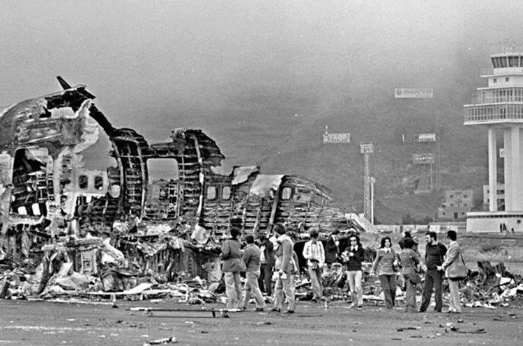 Las dos enormes aeronaves fueron pasto de las llamas, junto con la mayoría de sus ocupantes. (Foto: canariasenred.com)