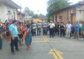 El motivo por el que comerciantes de San Felipe, Retalhuleu, están molestos es por el traslado de la terminal de autobuses. (Foto Prensa Libre: Rolando Miranda)