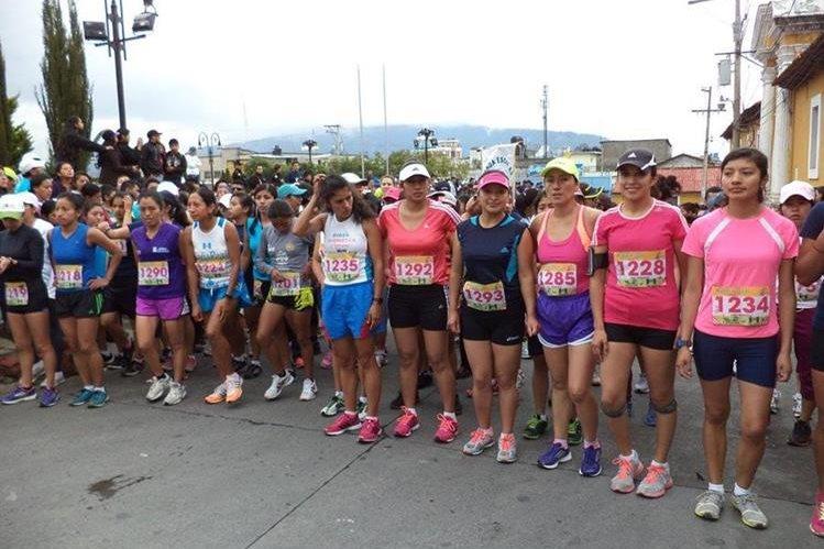 Los organizadores han puesto a la venta mil 500 números, pero esperan contar con 3 mil corredores. (Foto Prensa Libre: Raúl Juárez).