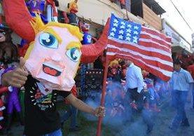 El presidente electo Donald Trump es el diablo más vendido para la celebración de este miércoles. (Foto Prensa Libre: Esbin García)