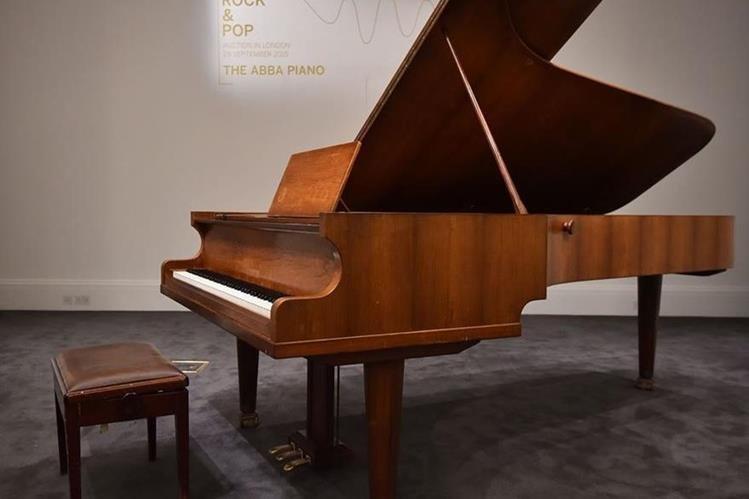El piano de ABBA saldrá estará acompañado de un certificado de autenticidad. (Foto Prensa Libre: AFP)