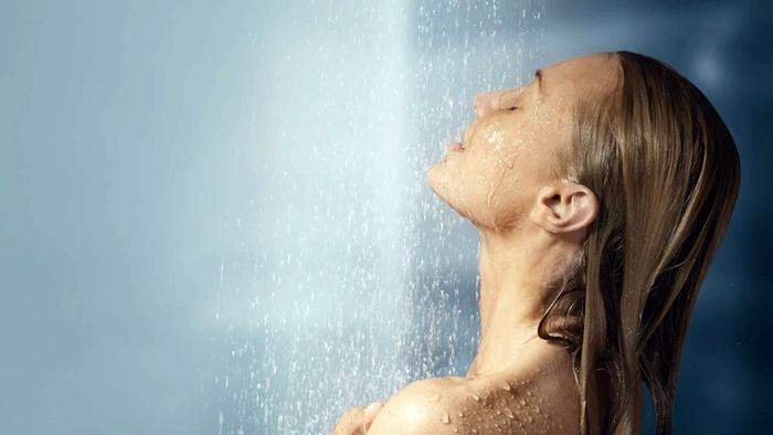 La ducha puede generar diversos beneficios según la temperatura del agua. (Foto Prensa Libre: HemerotecaPL)