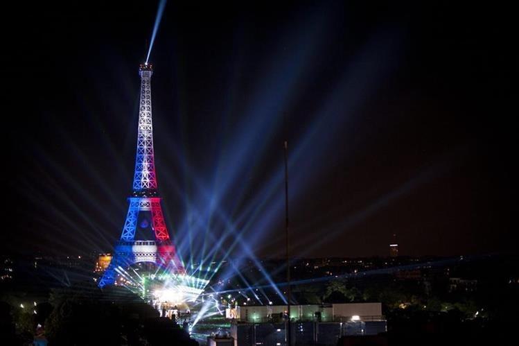 David Guetta, durante su concierto la noche del jueves, en Francia. (Foto Prensa Libre: EFE)