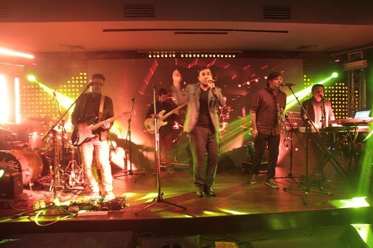 La banda nacional dio un concierto tras presentar su nuevo video musical. (Foto Prensa Libre: Ángel Elías)