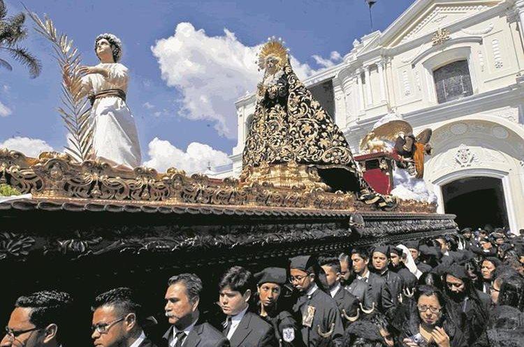 La Semana Santa es una de las tradiciones religiosas de mayor fervor en Guatemala. (Foto Prensa Libre: Paulo Raquec).