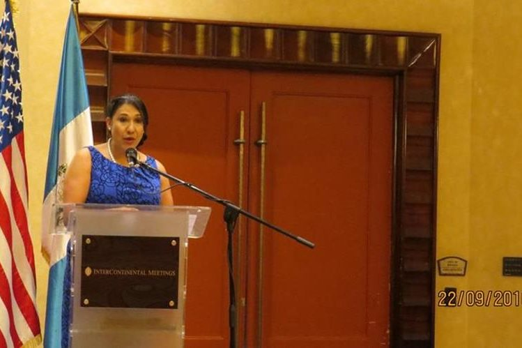 Karin De León ejecutiva de Vestex reveló cifras del sector a diez años del DR-CAFTA. (Foto Prensa Libre: cortesía)