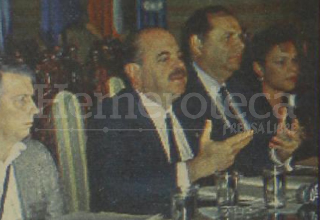 Roxana Baldetti (al fondo) fue funcionaria durante el gobierno de Jorge Serrano Elías. (Foto: Hemeroteca PL)