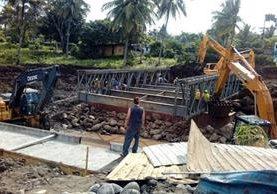 Avanzan los trabajos para la habilitación de la ruta en el kilómetro 166, Cuyotenango, Suchitepéquez. (Foto Prensa Libre: CIV)