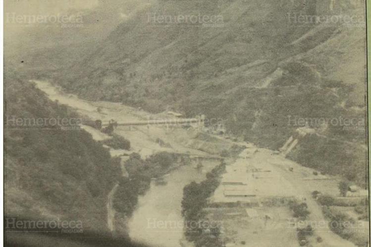 17/03/1985 Vista aérea del río Negro o Chixoy, donde se construyó la hidroeléctrica. (Foto: Hemeroteca PL)