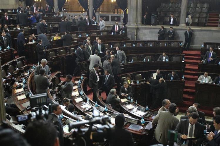 Analistas aseguran que la banbaca Líder, ahora la más fuerte en el Congreso, perderá poco a poco a sus diputados. (Foto Prensa Libre: Hemeroteca PL)