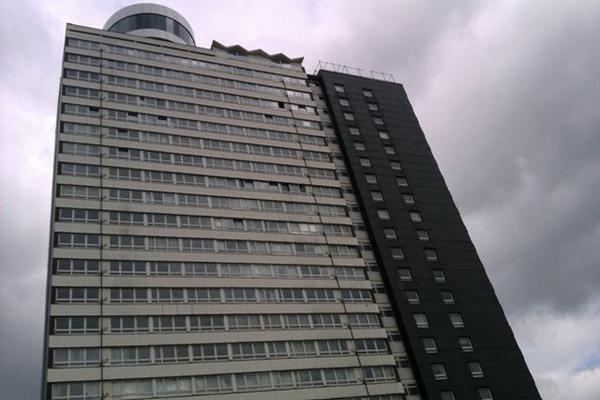 """<p>La foto presenta al ganador de la categoría """"edificio más feo"""" ubicado en Naomi Roux. (Foto Prensa Libre: EFE)</p>"""