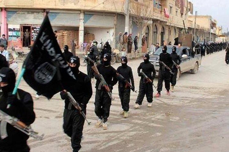 <em>El grupo Estado Islámico suní declaró hace un año un califato en Siria e Irak.</em>