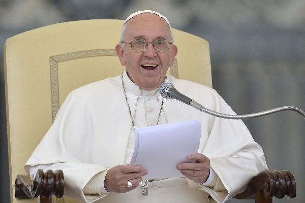 El Papa dice que ha abrazado a todo el pueblo cubano, dentro y fuera de ese país.