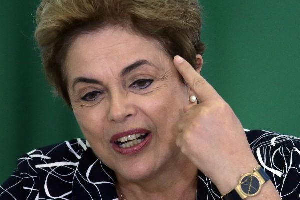 Dilma Rousseff enfreta juicio político de destitución.(AFP).
