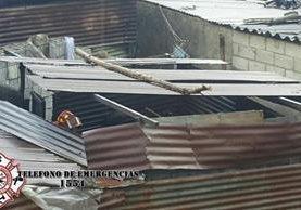 Uno de los inmuebles que quedaron con daños en Sumpango. (Foto Prensa Libre: CBMDEPTAL).