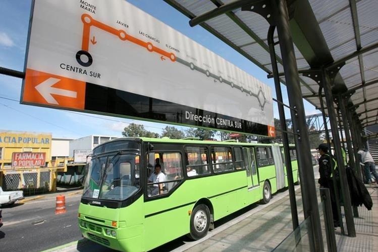Préstamo es necesario para el mantenimiento del servicio del Transmetro. (Foto Prensa Libre: Hemeroteca)
