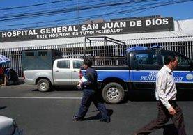 Consulta externa del Hospital San Juan de Dios, donde ocurrió el atentado la semana pasada. (Foto Prensa Libre: Archivo)
