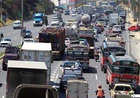 Iniciativa pretende que se suspenda el pago del Impuesto sobre Circulación de Vehículos hasta 2020. (Foto Prensa Libre: Hemeroteca PL)