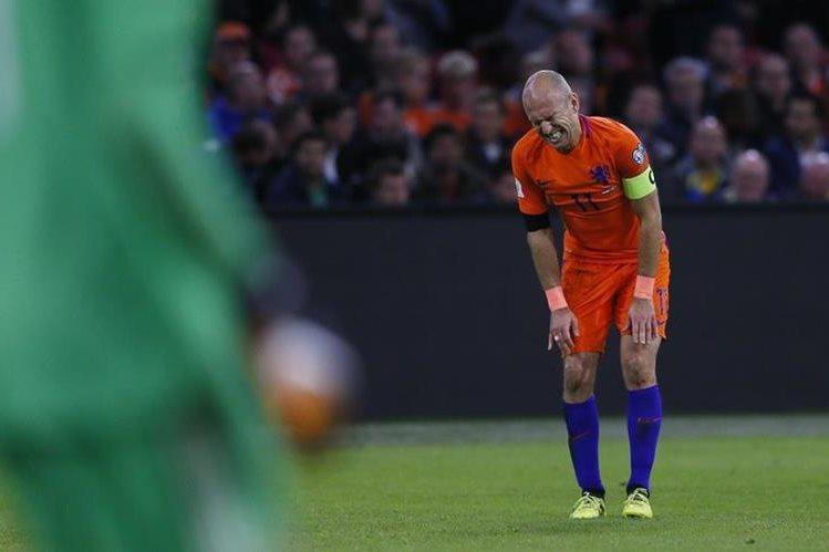 Arjen Robben será una de las estrellas que se extrañará en el Mundial de Rusia 2018. (Foto Prensa Libre: AFP).