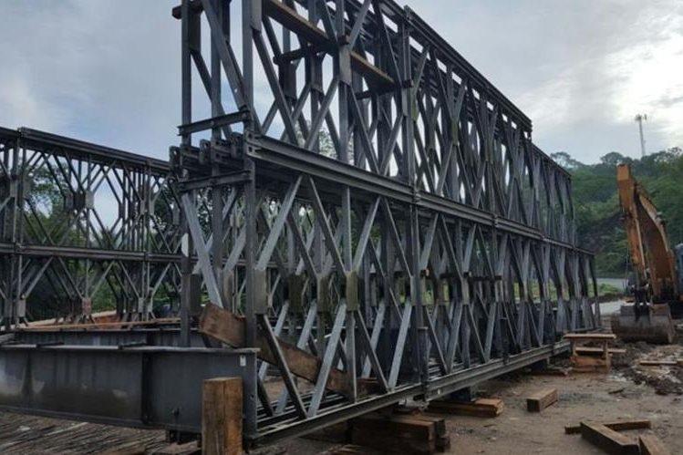 Parte de la estructura que será colocada para habilitar el paso en el km 164.5 de la ruta al Atlántico. (Foto Prensa Libre: Cortesía).