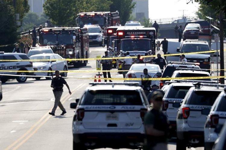 """Trump realiza visita sorpresa a congresista republicano herido en tiroteo"""""""