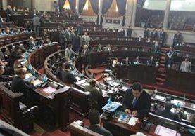 Diputados aprobaron el primer decreto legislativo que contiene el Convenio para ampliación de la carretera al Atlántico. (Foto Prensa Libre: Álvaro Interiano)