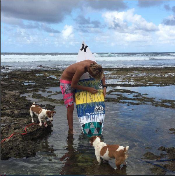 Zander Venezia practicaba en las aguas del océano Atlántico. (Foto tomada de instagram)