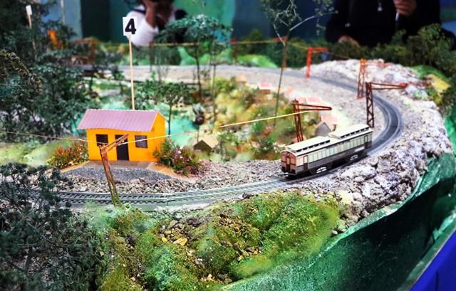 Vecinos pueden observar cómo funcionó este transporte. (Foto Prensa Libre: Carlos Ventura)
