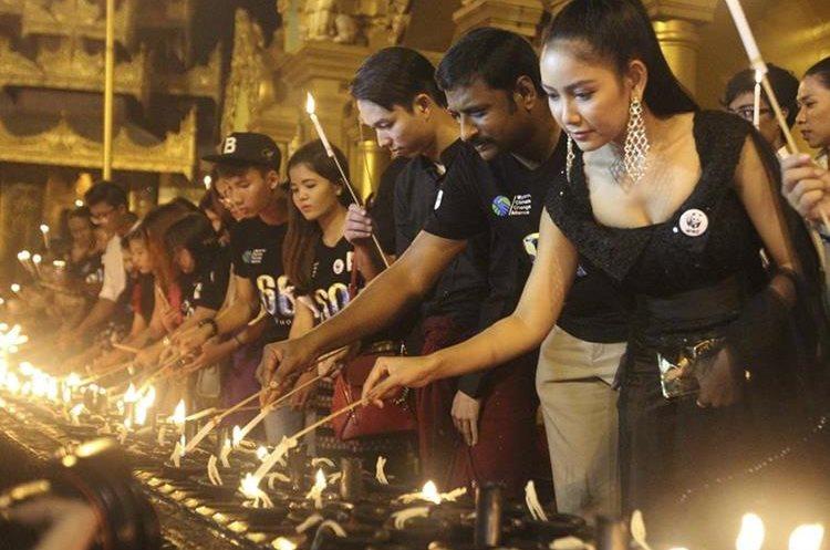 Birmanos participan en actividad mundial. (Foto Prensa Libre: AP)