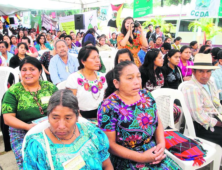 La deuda del Estado con los pueblos indígenas, en cuanto a reconocer y velar por el cumplimiento de sus derechos, se mantiene. (Foto Prensa Libre: HemerotecaPL)