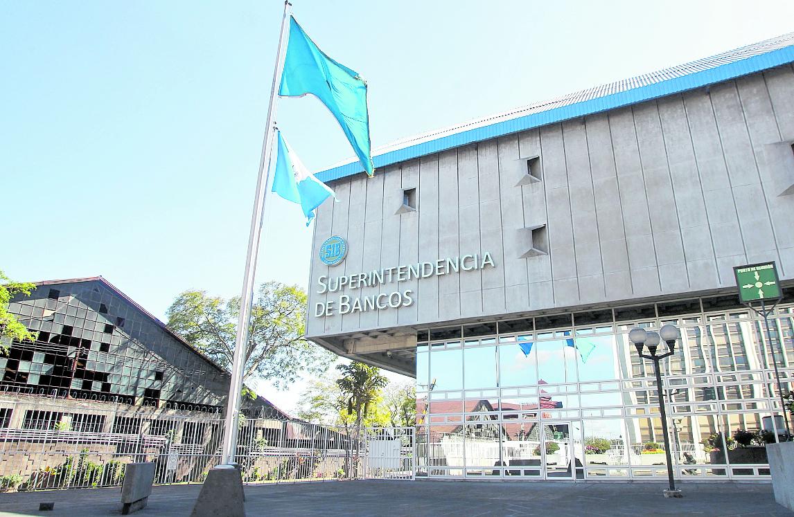 La IVE funciona en el edificio de la Superintendencia de Bancos, en el Centro Cívico. (Foto Prensa Libre: Hemeroteca PL).