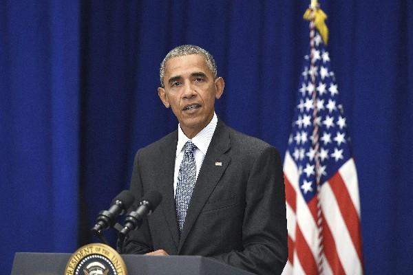 """Barack Obama, pidió a los ciudadanos que no sucumban al """"miedo"""" tras los ataques. (EFE)."""