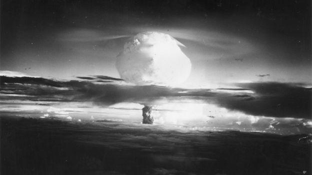 Las bombas nucleares fueron predichas antes de la Primera Guerra Mundial, pero no se usaron hasta finales de la segunda Guerra Mundial (GETTY IMAGES)