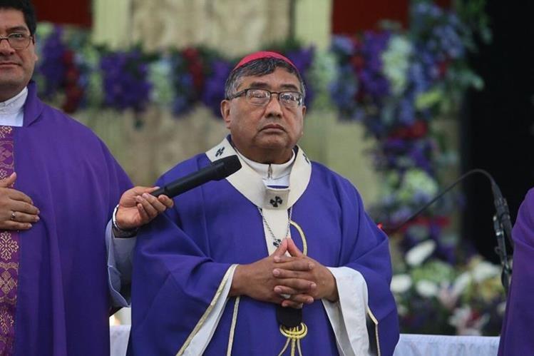 El Arzobispo Metropolitano, Julio Vian, se pronunció por la muerte de menores en el Hogar Seguro. (Foto Prensa Libre: Álvaro Interiano)