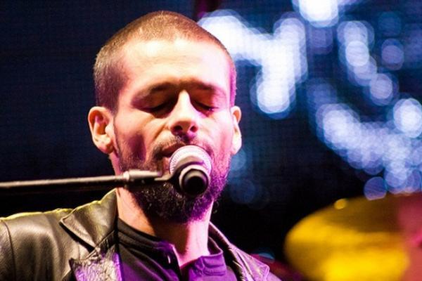 <p>El ganador del Latin Grammy informó el 31 de diciembre pasado que su cáncer desapareció gracias al tratamiento al que se sometió.</p>