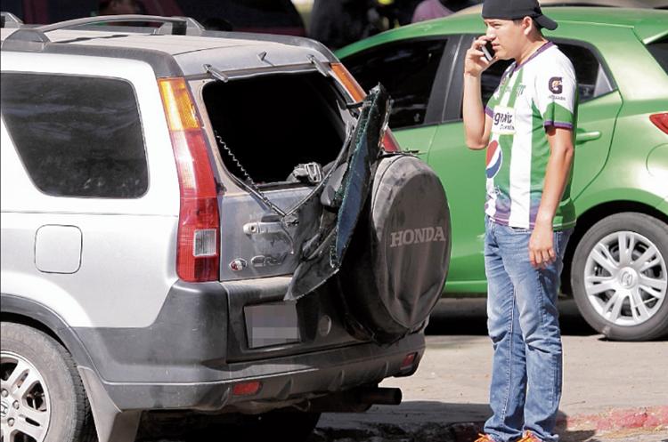 Los aficionados antigüeños sufrieron de la frustración de los fanáticos cremas. (Foto Prensa Libre: Hemeroteca PL)