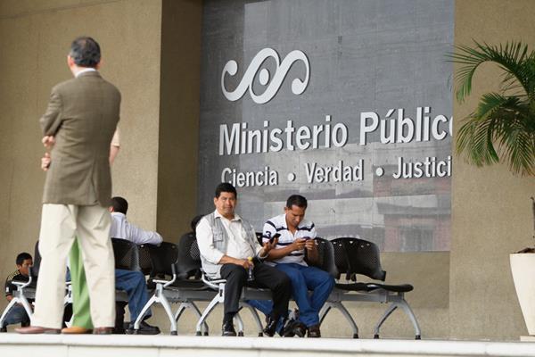 La nueva fiscalía investigará al pesonal del MP por actos de corrupción. (Foto Prensa Libre: Hemetoreca PL).