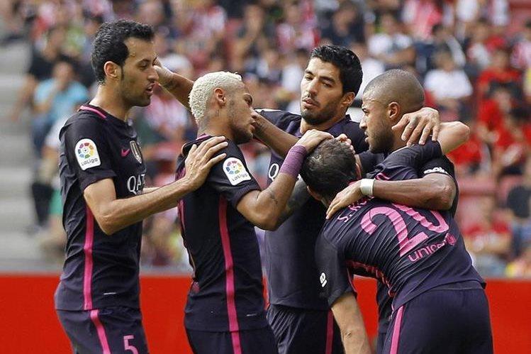Neymar y Suárez buscarán anotar para el Barcelona ante la ausencia de Messi. (Foto Prensa Libre: EFE)
