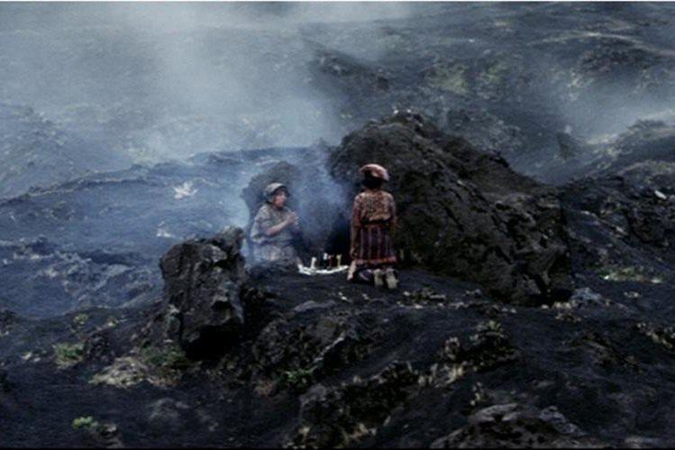 La película Ixcanul del cineasta guatemalteco Jayro Bustamante se filmó a las faldas del volcán de Pacaya. (Foto Prensa Libre: Hemeroteca PL)