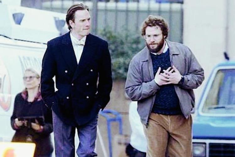 "El filme ""Steve Jobs"" está protagonizado por Michael Fassbender (Jobs) y Seth Rogen (Wozniak). (Foto Prensa Libre, tomada de codigogeek.com)"