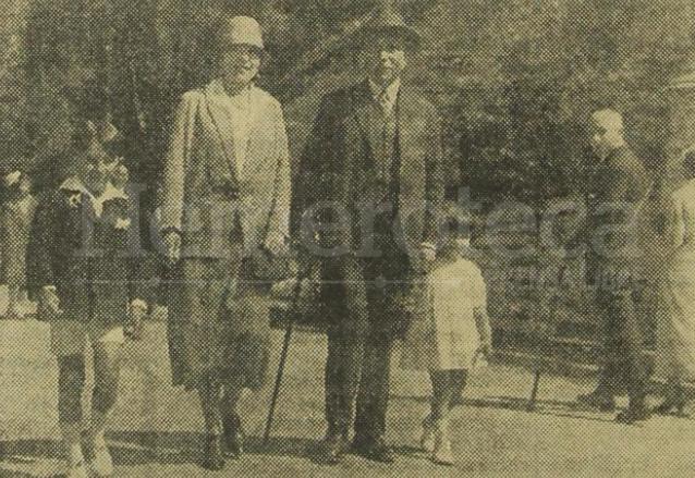 El presidente Carlos Herrera acompañado de su esposa Jesús Llerandi de Herrera y sus hijos en Francia. (Foto: Hemeroteca PL)