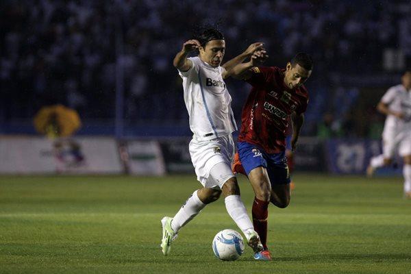 Agustín Herrera fue pieza clave para que Comunicaciones ganara su penta y hexacameponato (Foto Prensa Libre: Hemeroteca PL)